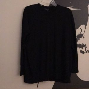 Black slightly oversized light sweater
